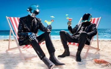 daft-punk-beach-cocktails